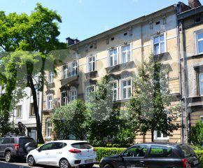 Przestronne mieszkanie w pobliżu Plant Krakowskich