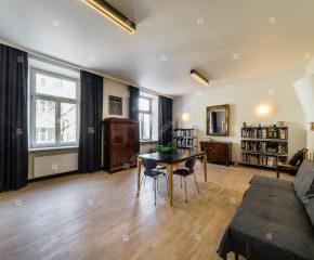 Słoneczne, dwupokojowe mieszkanie w centrum Krakowa