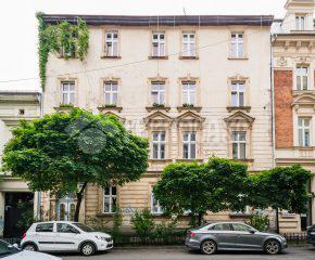 3 pokojowe mieszkanie w kamienicy z końca XIX wieku