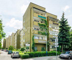 4-pokojowe mieszkanie w stanie b.dobrym, w niskim bloku.