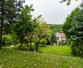Wola Justowska - Dom z widokową działką 26 Arów