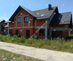 Dwa domy jednorodzinne w zabudowie bliźniaczej