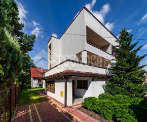 Dom w Borku Fałęckim z dużym tarasem