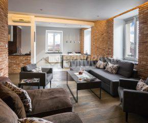 Dwu-poziomowy penthouse w prestiżowej lokalizacji