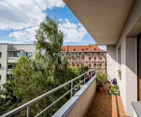 3 oddzielne pokoje + kuchnia - BALKON - ścisłe centrum
