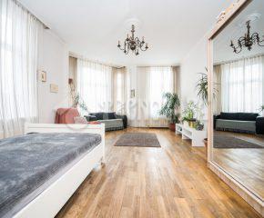 Przestronne mieszkanie z balkonem!